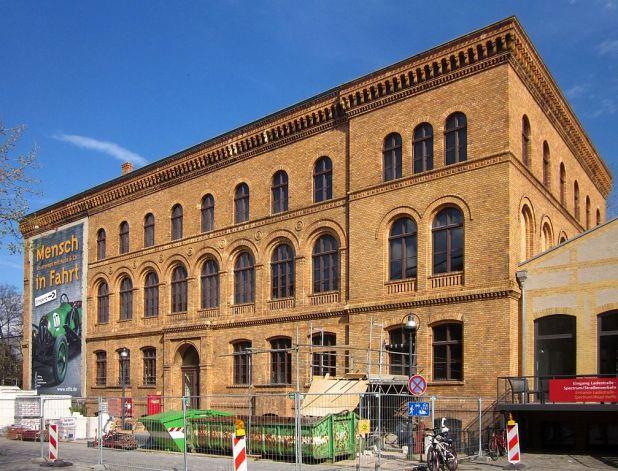 1007px-Berlin,_Kreuzberg,_Moeckernstrasse_26,_Verwaltungsgebauede_Anhalter_Gueterbahnhof