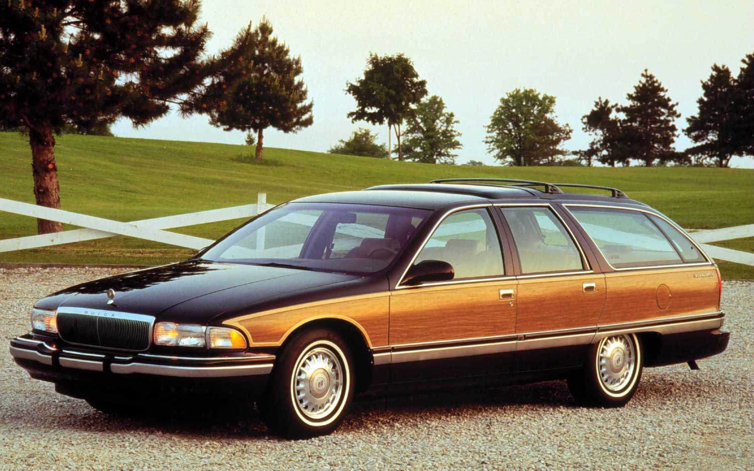 bring back the buick roadmaster estate wagon please paddock post. Black Bedroom Furniture Sets. Home Design Ideas