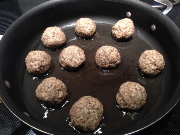 Cooking_Mushroom_Meatballs