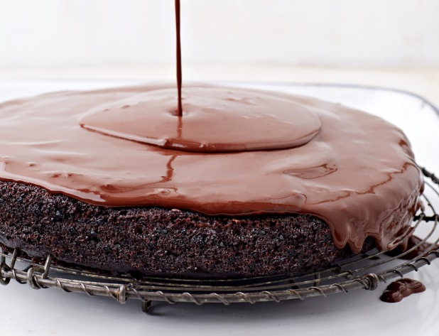 Chocolate-Torte-to-Live-For-GLAZE