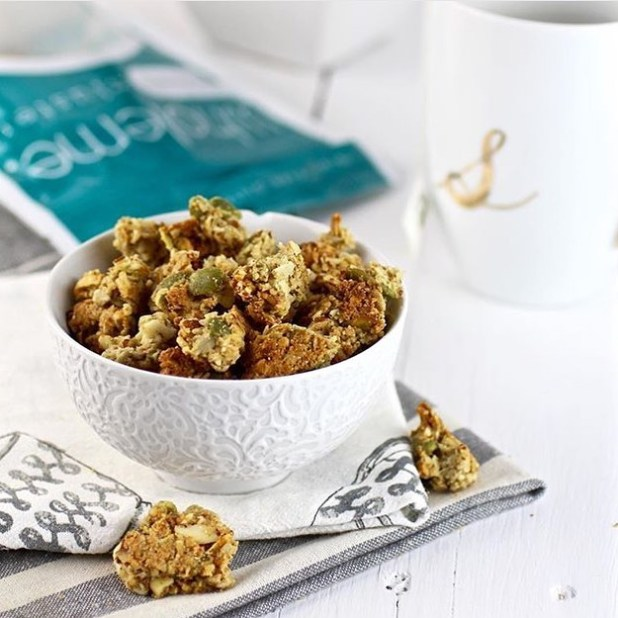 Wholeme_Almond_Coconut_Clusters