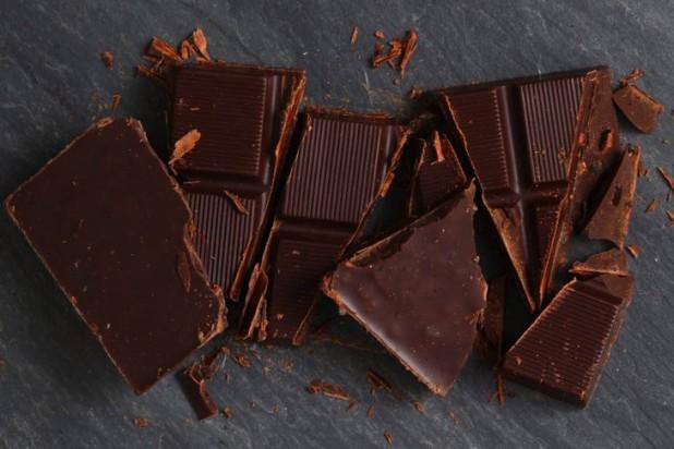 Hu_Kitchen_Crunchy_Mint_Chocolate_Bar