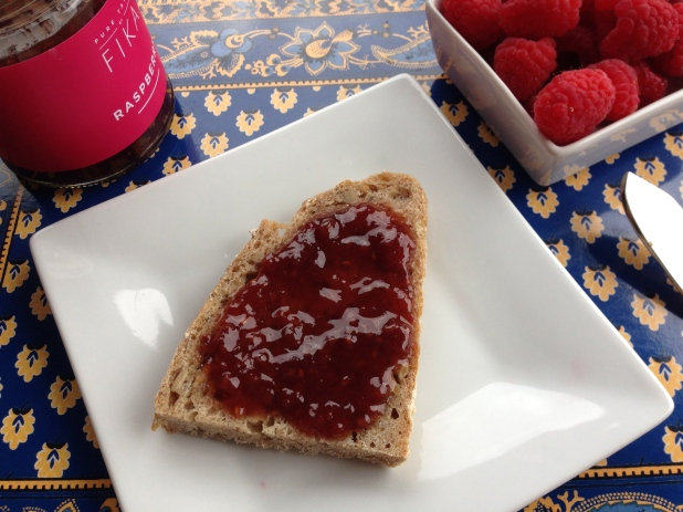 FIKA_Raspberry_on_Toast
