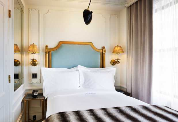 Marlton_Hotel_Petite_Room